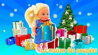 Noël avec Barbie et les autres. Les enfants écrivent des lettres au Père Noël.