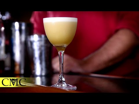 How To Make The Classic Whiskey Sour