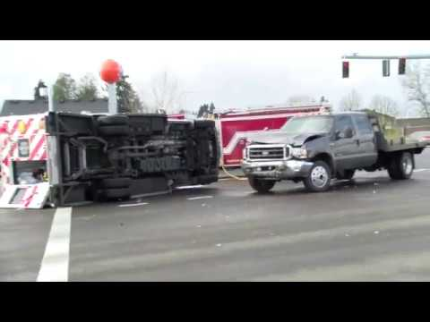 Salem News Journal Live Stream New Ambulance Crash Commercial Street 1-22-18