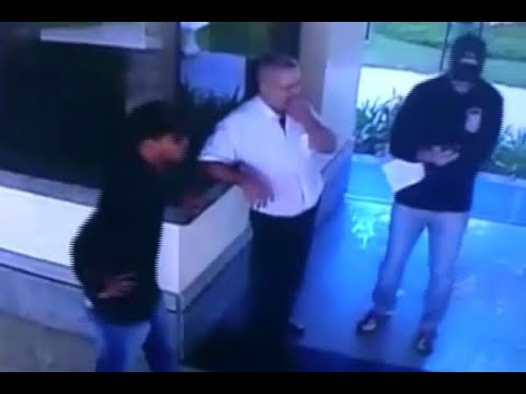 Bandidos se passam por policiais para invadir e assaltar condomínio   SBT Notícias (10/05/18)