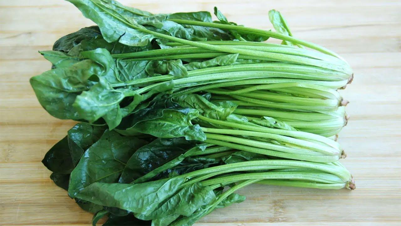 【小穎美食】一把菠菜,一碗澱粉,用筷子攪一攪,做法比麵條簡單,比涼粉好吃