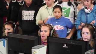 @dreamcrazzy and Team Getting Hype During a Match at UMG Dallas 2013