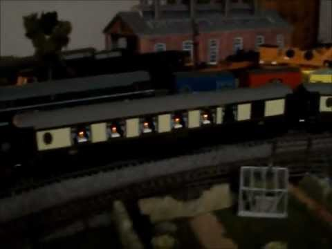 oo gauge - Lighted pullman coaches