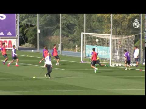 Incredible James Rodríguez nutmeg and goal in training!