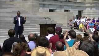 Presidential Candidate Dr. Ben Carson at the Arkansas Capitol