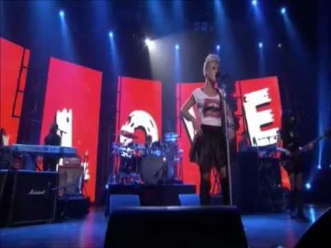 P!nk - True Love (Live iTunes Festival 2012)