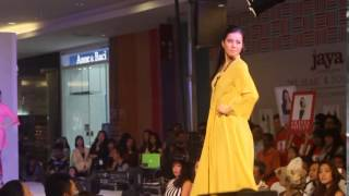Miss Malaysia World 2014 - Dewi Liana Seriestha - fashion runway Show