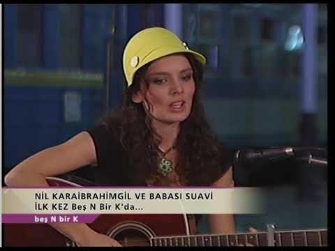 Nil Karaibrahimgil ve Babası Suavi Beraber Şarkı Söylüyor!