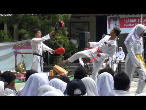 Demo Ekskul Taekwondo SMKN1 BANDUNG