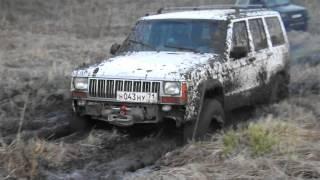Болотина Pajero vs Jeep