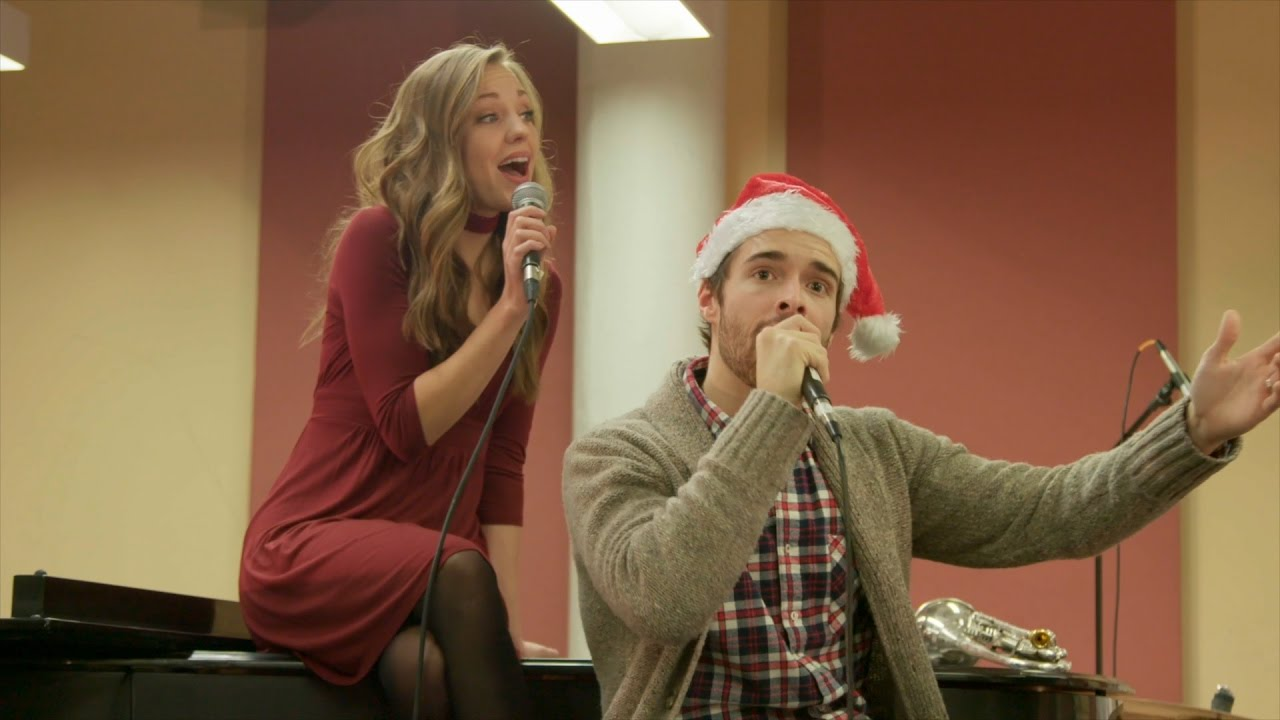 A Dream Of Christmas Cast.Dream Of A White Christmas With Corey Cott Laura Osnes The Cast Of Broadway S Bandstand