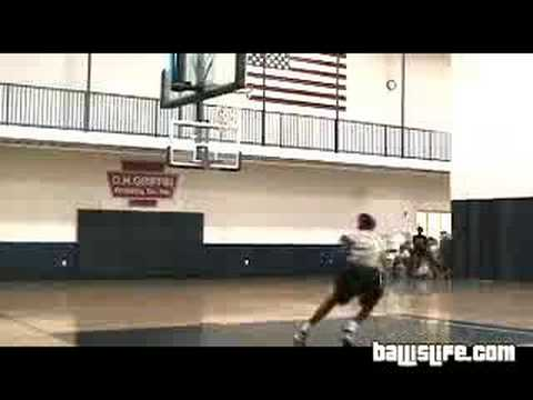 Eric Wallace and Marshall Moses: dunks practice