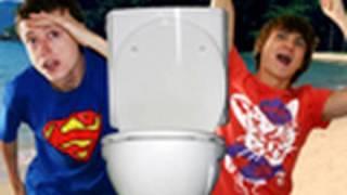 Hilfe, wir haben ein Monster auf unserer Toilette!