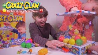 CRAZY CLAW Arcade Game CHALLENGE en Famille • Bonbons Etranges et Surprises - Studio Bubble Tea