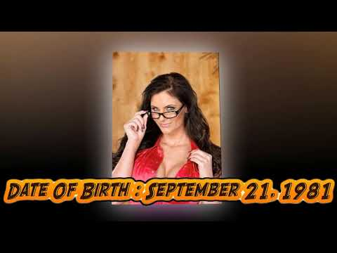Phoenix Marie Lifestyle Family Income Net Worth Body Measurement And Biography