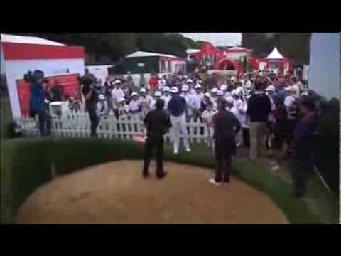 Mickelson Helps Young Golfers in Shanghai China