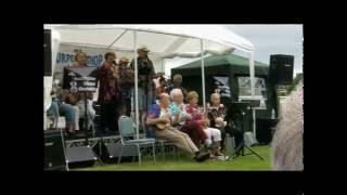 Nottingham Ukulele Orchestra at 'Great Midlands Ukulele Festival' July 2016