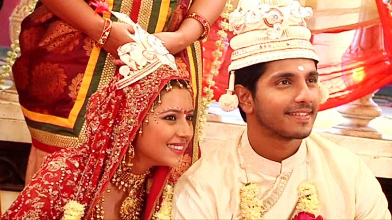 Sagarika And Bunty Talk About Their Bengali Wedding Look
