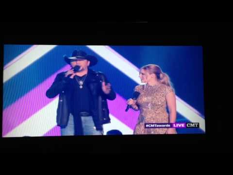 """Jason Aldean """"dissing"""" Taylor Swift on the CMT awards 2013"""