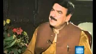 Must Must Watch this Girl What She is Doing with Sheikh Rasheed -LAMHAY 09 Aug 2010 - YouTube.FLV