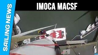Timelapse de la mise à l'eau de l'Imoca MACSF