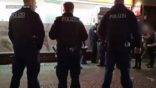 WETTBÜROS UND SHISHA-BARS: Polizei-Razzien scheuchen Berliner Clans auf