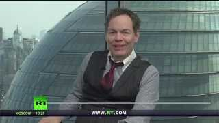 Keiser Report: Warren Buffett's Interest Rate Apartheid (E743)