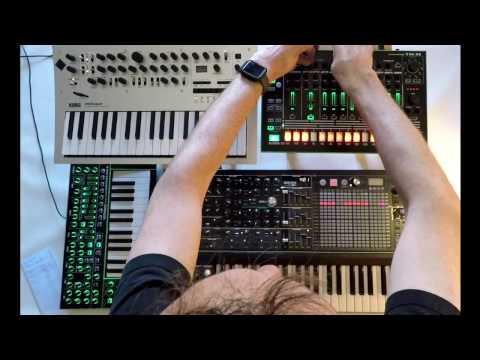 Christopher Kah - Session VII with Arturia MatrixBrute - Minilogue - System1 - TR-8