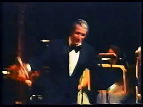 Perry Como Live - Hello, Young Lovers mp3