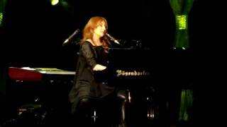 Tori Amos - Crucify (Orpheum Theatre, Los Angeles, 12/17/11)