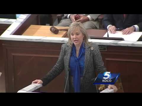 Gov. Fallin calls for teacher pay raises in State of the State address