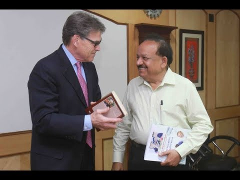 Dr Harsh Vardhan holds talk with US Energy Secretary Rick Perry