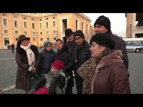 Abuela mexicana cumple el sueño de visitar el Vaticano con su familia