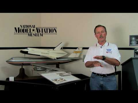 Astronaut Hoot Gibson talks about John Kiker's boeing 747 piggy back model