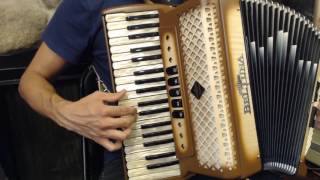 How to Play a 96 Bass Accordion - Lesson 5 - Gypsy Swing in D Minor - Dark Eyes Ochi Chyornye