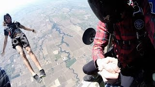 Learning to Skydive! |  Becoming a Licensed Skydiver  [4K]
