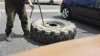 Урал 4320 разбортировал колесо без кувалды!