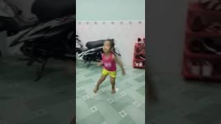 Bước nhảy hoàn vũ nhí