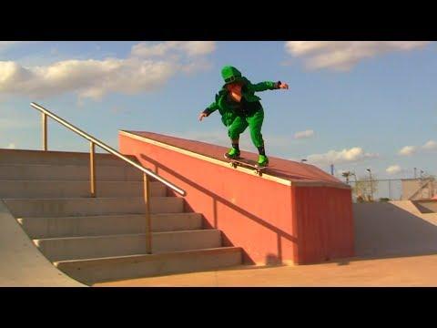 Leprechaun SKATEBOARDING