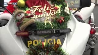 الحفاظ على الأمن.. مهمة سانتا كلوز في بيرو