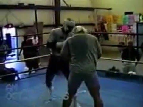 Спарринг Эвандера Холифилда и Дэвида Туа в 1996-м году.