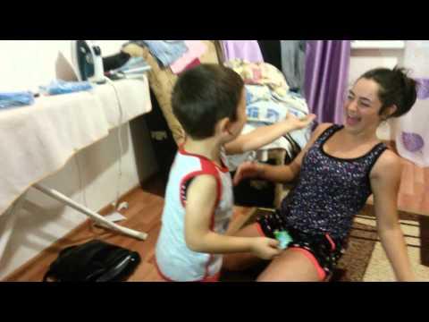 русское порно пока сестра переодевалась брат трахнул ее подругу