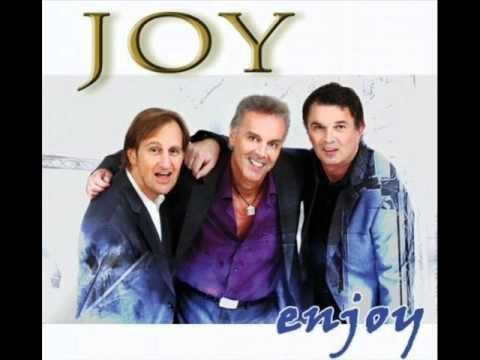 Клип Joy - Valerie (2011)