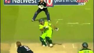 Abdul Razzaq's Best in 2010 T20s ODIs vs England South Africa 2(fuanmedia.blogspot.com).mp4
