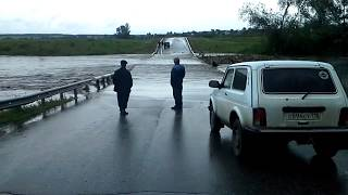 Перелив через низководный мост вблизи села Кият Буинского района