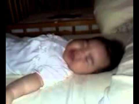 赤ちゃん 寝言 しゃべる