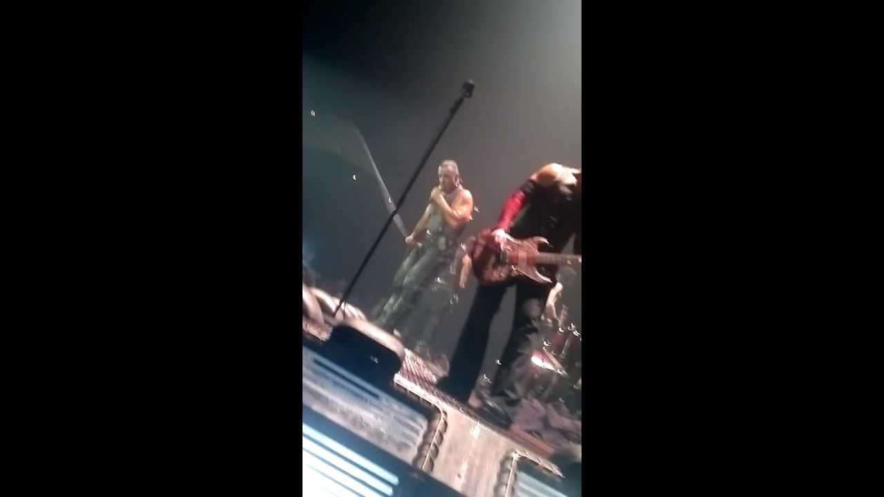 girl peeing on stage