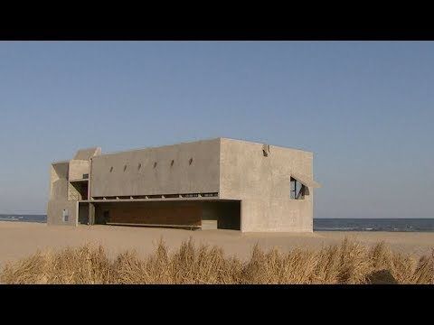 World's 'loneliest library' in China offers serene seaside views