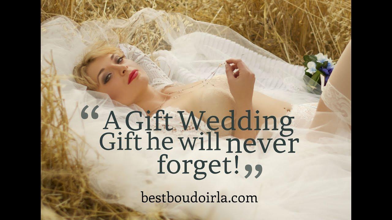 Best Gift for a Groom! Bridal Boudoir Photos