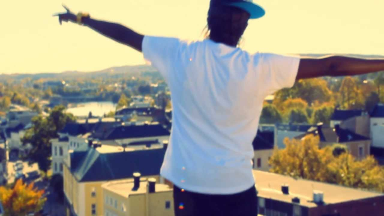 Download YOUNG E - TYPEN (OFFISIELL MUSIKKVIDEO)